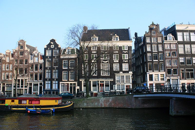 amsterdam single christian girls The shallow man writes about the seven best places to meet singles in amsterdam based on differing criteria an excellent place to meet single people in amsterdam.