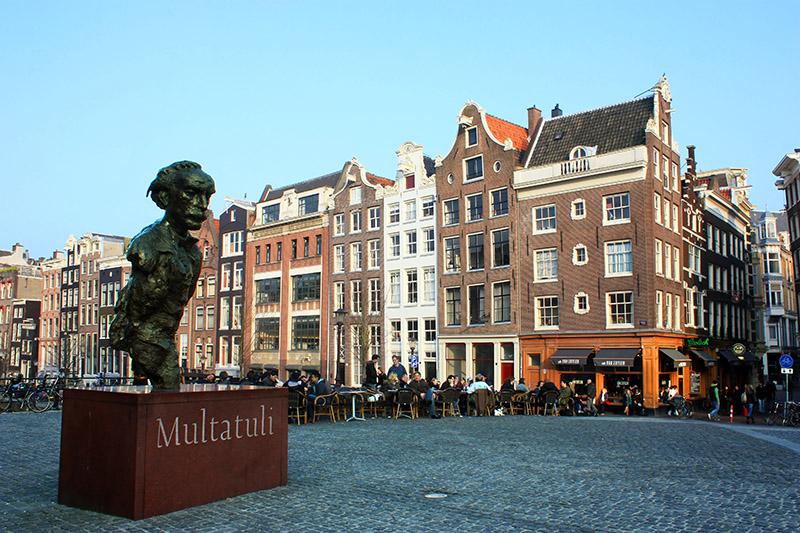Torensluis Square on the Singel. Multatuli sculpture in