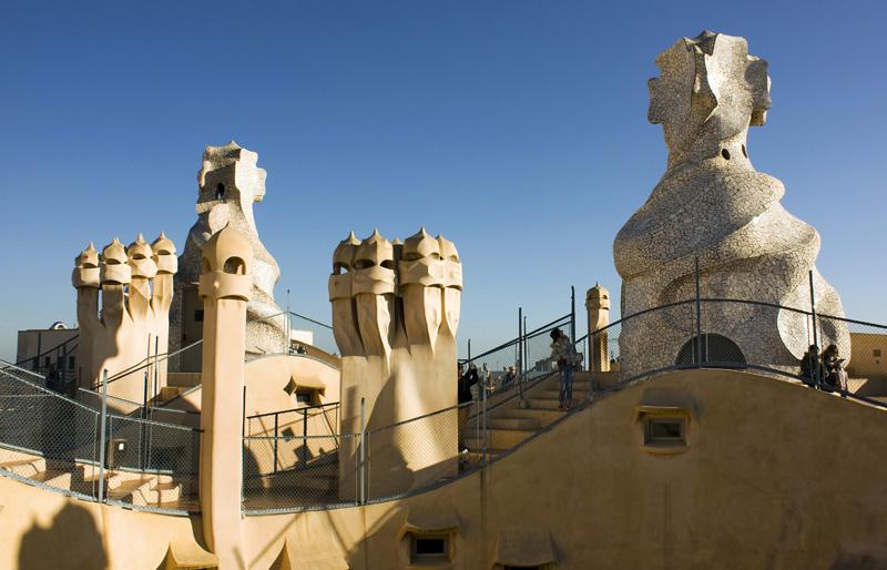 Vista general de la azotea de la casa mil obra de gaud for La casa de la azotea