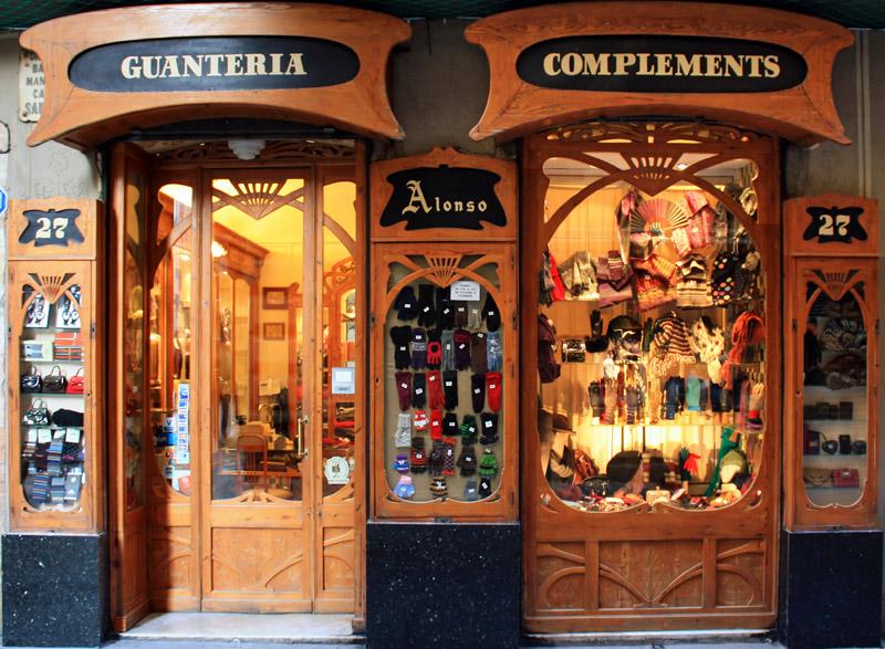 Decoracion Gotica Tienda ~ Guanter?a y complementos Alonso, en la calle Santa Ana 27, Barcelona