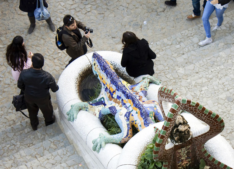 Top view of the entrance staircase of the park g ell for Salamandra barcelona
