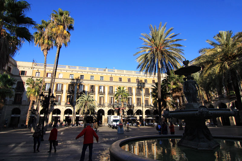 Plaza real plaa reial en el casco antiguo de barcelona - Casco antiguo de barcelona ...