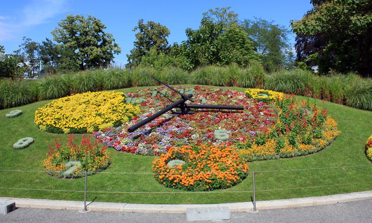 Reloj floral en el jard n ingl s de ginebra for Jardin en ingles