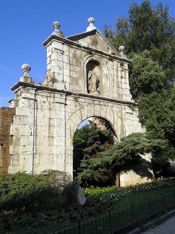 Puerta de los carros en la ronda de santa teresa valladolid - Puertas en valladolid ...